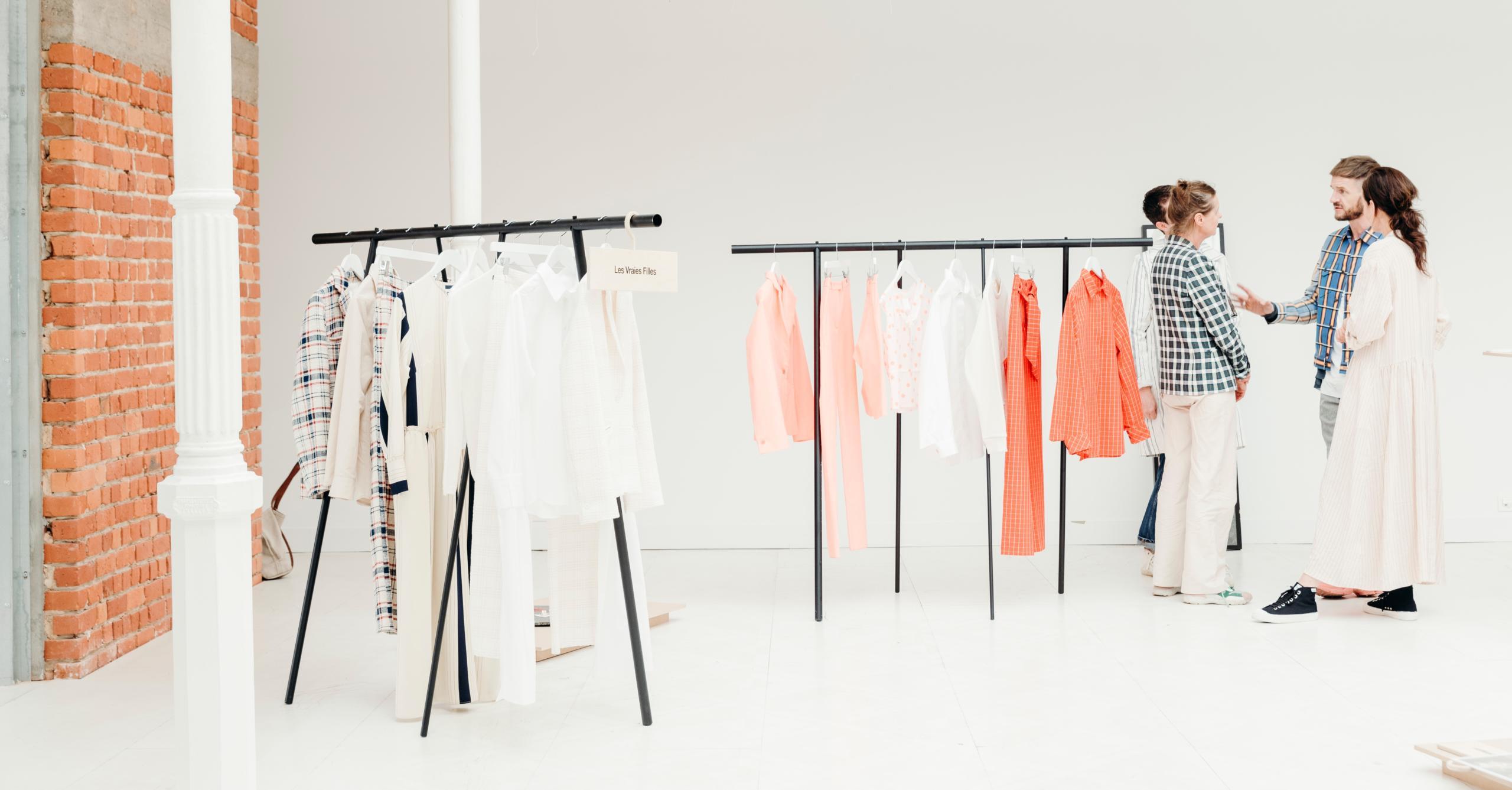 [REPORTÉ] Showroom international durable